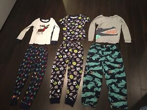 Boys size 5 PJ's in excellent condition