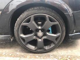"Swap 19"" alloy wheels Vauxhall Vectra for 17"" wheels"