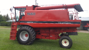 Case IH 1660 Combine In Great Condition!