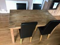 Lovely oak dining table with additional leaf extension