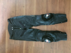 Joe Rocket Leather Motorcycle Pants Sz 32