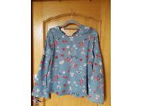 Beautiful blouse size small