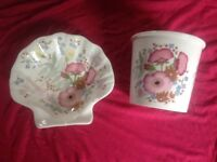 Wedgewood soap dish and toothbrush holder