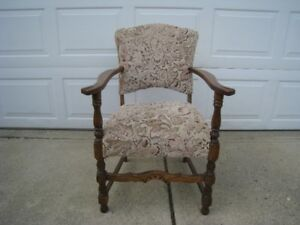 Oak upholtered chair