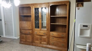 China Cabinet / Hutch / Wall Unit / Display