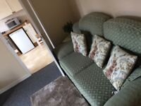 Ground Floor Two bed Single-Storey with Private Garden