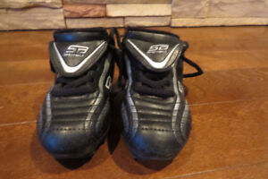 Size 9 Youth Soccer Cleats