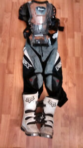 Motocross gear ages 4-6 Fox boots sz.10, chest protector & pants