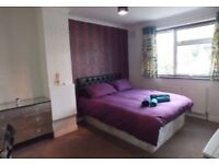 Lovely double room available 5mins by walk to Redbridge Tube Station on Central Line.