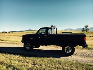 Ford F-250 Lifted Mud Truck
