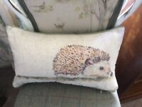 Handmade mr hedgehog voyage maison