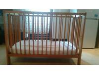 Baby cot wit mattress