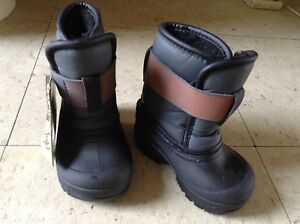 Size 3 (toddler) snow boots