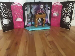 Monster High doll and set
