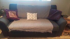 3 seater sofa - nearly new sofa, modern, stylish and comfortable