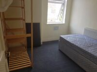 Perfect double rooms available to rent in Salford