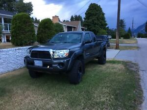 [Trade or Sale] 2011 Toyota Tacoma