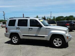 2009 Jeep Liberty SPORT 4X4--3.7L V6--SUNROOF----AMAZING SHAPE