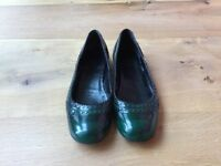 Green/Black Patent Gucci Pumps UK 6/Eu 39