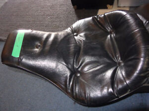 Harley seat-80s Ultra- recycledgear.ca