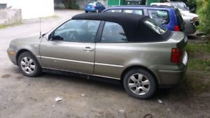 Volks cabrio 2001 full cuir Ac bas millage good deal