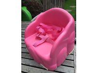 Plastic wipe clean feeding chair