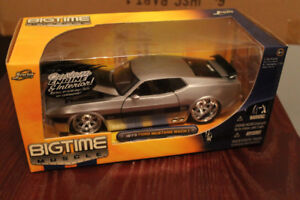 Two 1973 Ford  Mustang Mach 1 Dub City Diecast 1:24 scale