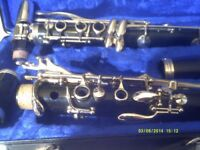 "BUFFET "" B 12 "" CLARINET in PERFECT CONDITION ( RARELY BEEN OUT of It's CASE )+++++"