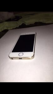Perfect Condition IPhone 5s 32gb (gold)