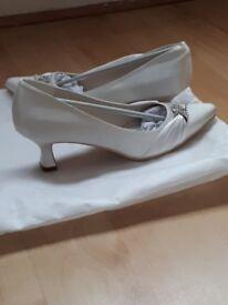 Ivory Wedding Shoes - Size 5