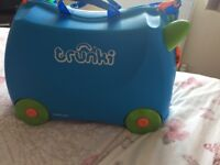 Kids trunki pull along and ride on case hand luggage
