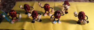 Vintage california raisin figurines
