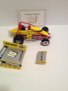 GMP 1/18th Scale Dave Blaney #10 DieCast Sprint Car