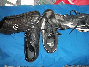 2 PAIRS OF MEN CLEATS