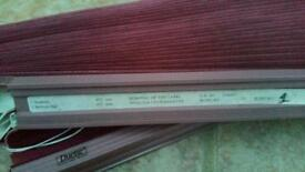 Window blinds... to fit window of 40.2 cm