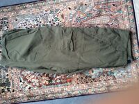 Size XL 3/4 Length Combat Shorts, Olive Green