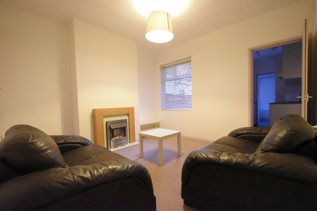 Newly Refurbished 4 Double Bedroom Student House Westminster Road Selly Oak, B29