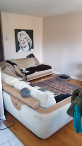1Room in big 4.5(2bedroom) Apt. All included + Wi-Fi and parkn