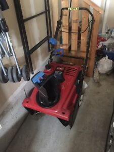 Toro power clear snow thrower