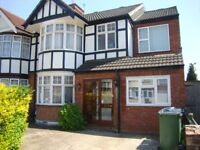 Six bedroom house with three bathroom close to University of Westminster