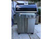 Napoleon BBQ very good condition with gas bottle £ 100 (£450 new)