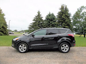 2014 Ford Escape SE 4WD Crossover- WOW Just 34K!!  LIKE NEW