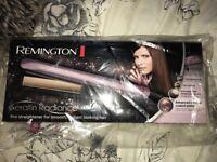 Brand New in box Remington Keratin Radiance Hair Straightners