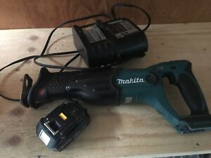 Makita battery sawzall with battery and charger