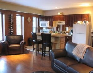 Beautiful 2 Bedroom on The Elora Gorge