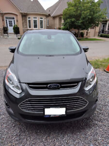 2015 MINT Ford C-MAX SEL with Maintenance