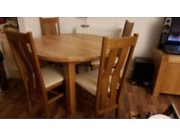 4ft Oak round extendable dinning table + 4 chairs