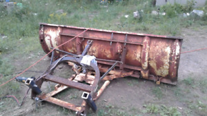 Plow mount and plow with winch works 400$