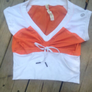 Lululemon crop top size 6 Tag still attached EUC
