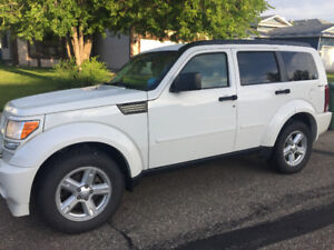 2010 Dodge Nitro SUV, Crossover